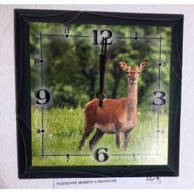 Nástenné hodiny - motív jelenica